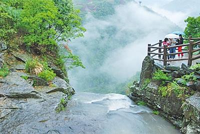 更想约你,在春天的小长假里,去奉化尚田的小山村,找寻春天的足迹.