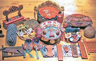 """再在上面绣上虎头和花草图案……日前,""""大虫帽,虎头鞋""""宁波市非遗项目"""