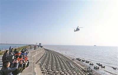 国家海洋督察组下沉宁波市北仑区 陆海空立体督察梅山岛