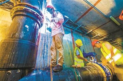 宁波首次完成共同沟内自来水管割接-新闻中心-中国宁波网