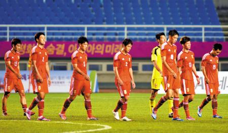 中国足球队vs马里队_再次被羞辱的中国足球