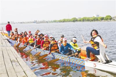 """""""五六年前去参加了千岛湖畅游比赛,感觉非常好."""