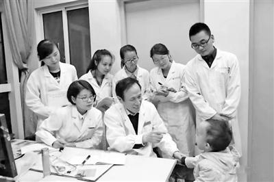 10个名老中医传承工作室 带动宁波几十个中医特色专科