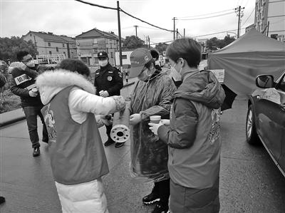 """「兼职在家可做」宁波这个团队所有的志愿者都叫""""小美"""""""