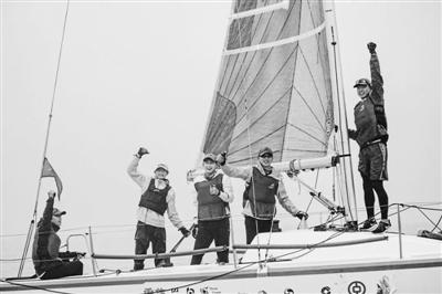 中国宁波一号帆船队今年首战夺冠 获上海邮轮港国际帆船赛冠军-新闻中心-中国宁波网
